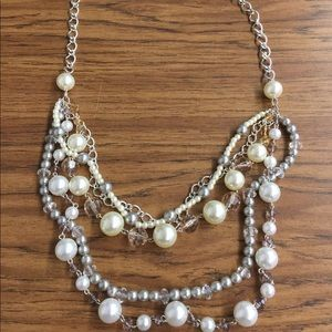 Jewelry - Faux pearl necklace.